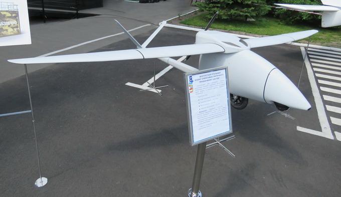 Безпілотний літальний апарат UAViter стартує зі спеціальної катапульти