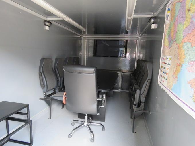Автомобільний штабний модуль призначений для проведення оперативних нарад в польових умовах