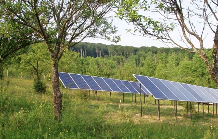У віддалених районах Закарпаття будуть використовувати сонячні електростанції