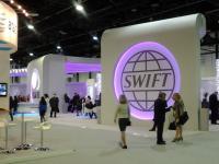 Банки против «искандеров» и «градов» — чем грозит отключение от системы SWIFT?