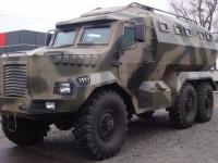 В Киеве представили отечественный броневик «Годзилла»