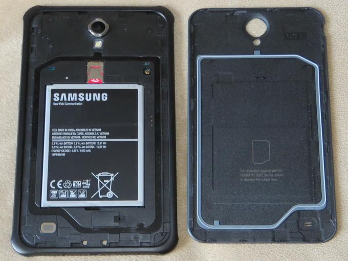 Планшет оснащен съемным литий-ионным аккумулятором емкостью 4450 мАч