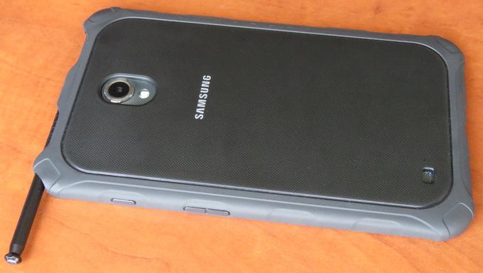 """Для более удобной работы с приложениями в Samsung 8"""" Galaxy Tab Active 16GB 3G предусмотрен стилус"""