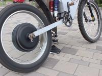 Мешканці Дніпропетровська сконструювали електровелосипед, що їде 100 км на одному заряді