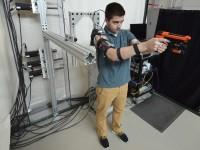Американцы испытывают экзоскелет, повышающий точность стрельбы
