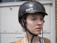 Студентка придумала специальные наушники для безопасной езды на велосипеде