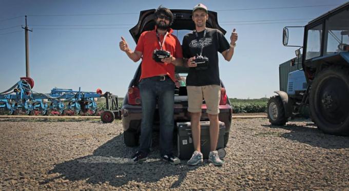 Валерий Яковенко, Drone.UA (в оранжевой футболке)