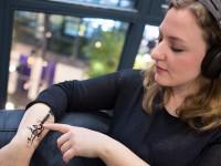 В Германии разработали плёнку для превращения человеческой кожи в сенсорную панель