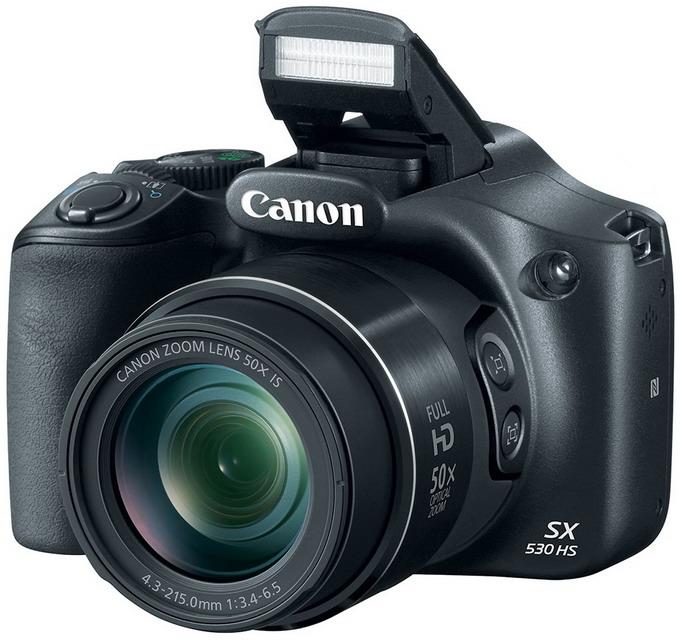 По внешнему виду Canon PowerShot SX530 HS очень напоминает старшую модель в серии суперзумов — PowerShot SX60 HS