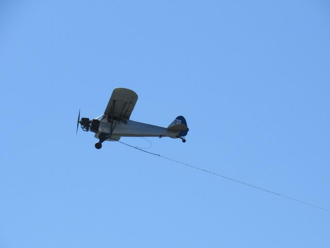 Снимок быстро движущегося объекта на высоте примерно 500 метров. ISO 160, f/5.6, выдержка 1/1000 с