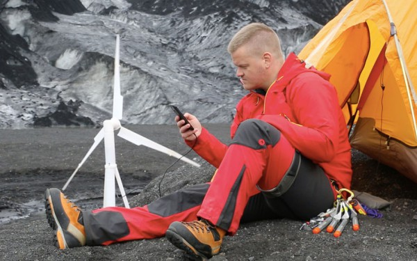 portable-wind-turbine-power-station-trinity-Agustsson-4-e1443080635940
