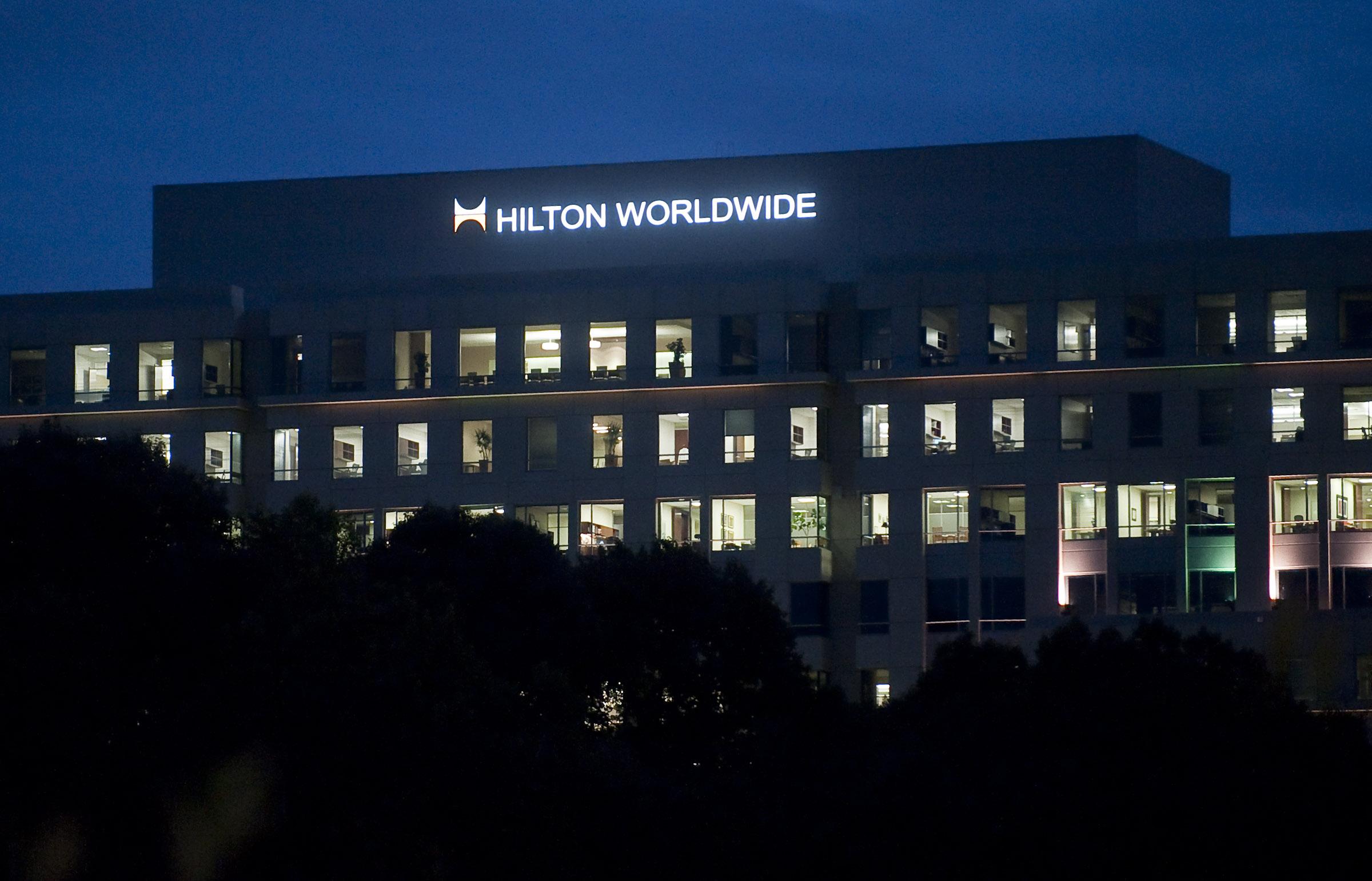 20090922_HiltonBuilding_highres