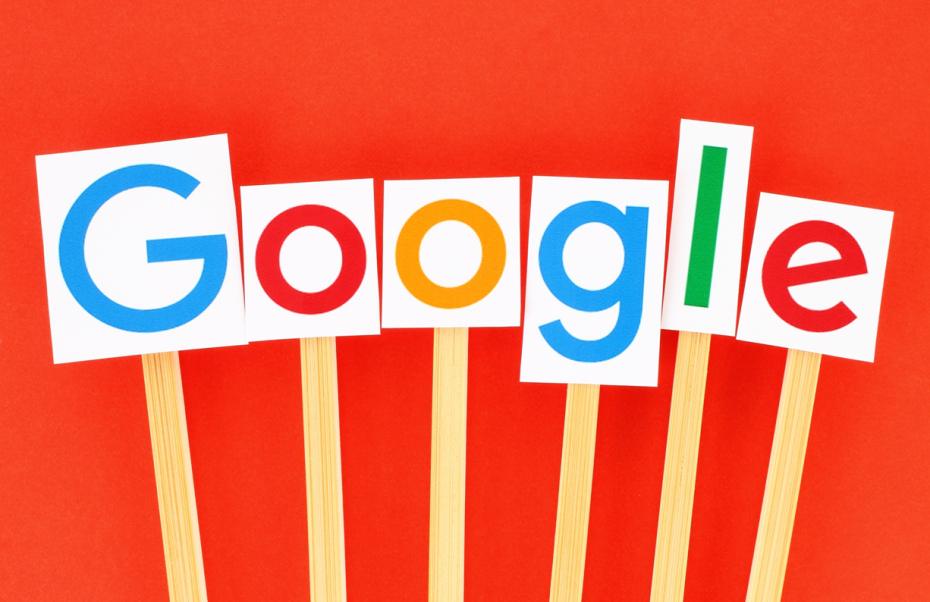 Google-Logo-Mockup