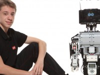 Школяр з Ужгорода збирає £33 тис. на Kickstarter для саморобного робота ELFi