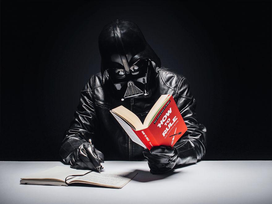 Тёмный Лорд не только читает, но и записывает