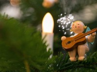 Как делают европейские новогодние игрушки по 100-летним технологиям