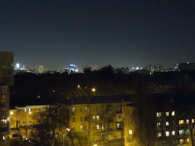 Режим ночной съемки с рук: f/4, 1/4 s, ISO 4000