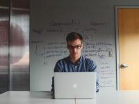 100 корисних сайтів та інструментів для стартапів