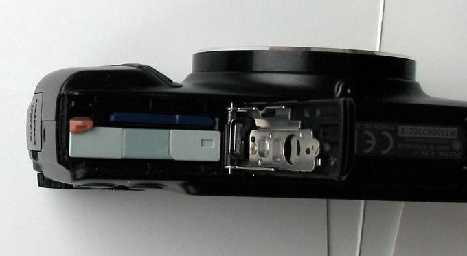 Камера работает только от аккумулятора, заряда которого хватает на примерно 200 фотоснимков