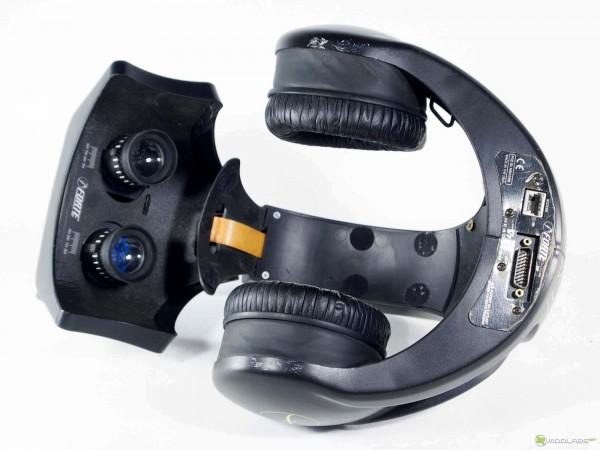 Так выглядел первый шлем виртуальной реальности VFX1, доступный для обычных пользователей, выпущенный в 1990-х
