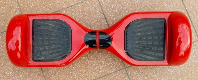 Форма Prologix K65A полностью симметрична, он может с одинаковой скоростью ехать как вперед, так и назад