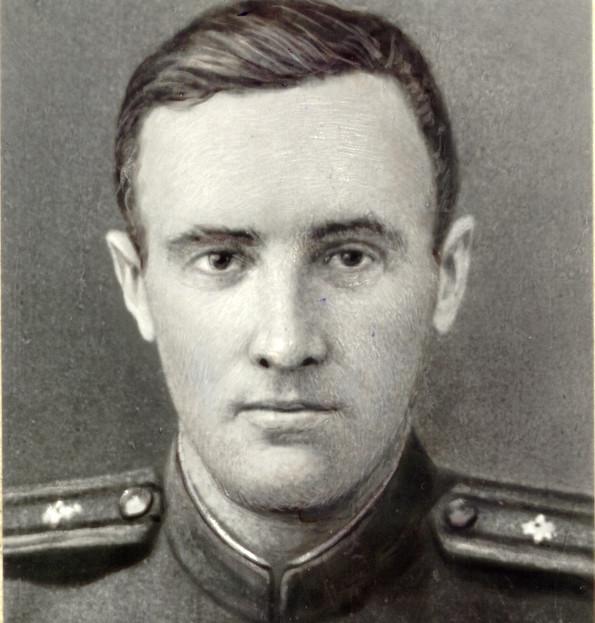 Старший науковий співробітник Лев Наумович Дашевський