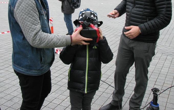 проект FlyOver использует шлем ВР для просмотра прямой трансляции видеосигнала с квадрокоптера