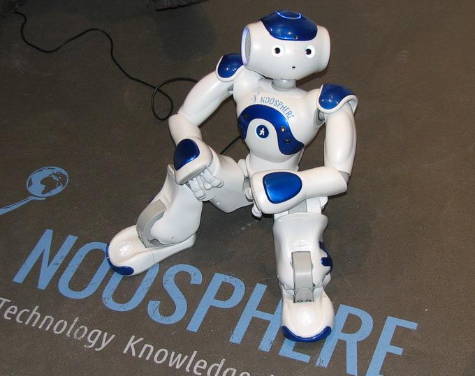 Чем либо интересным в области робототехники выставка InnoTech не порадовала