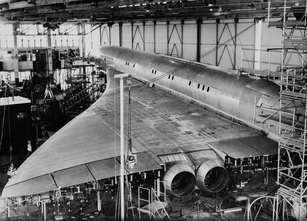 Вересень, 1967 р. Прототип Concorde проходить тестування на вібрацію та стійкість до турбулентності в міжнародному аеропорті Тулузи (Фото Keystone-France/Gamma-Keystone via Getty Images)