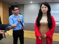 LinkedIn для студентов, атака дрона в Хитроу и китайский робот — дайджест новостей