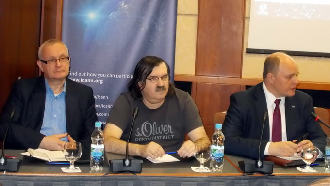 Юрий Каргаполов, Александр Ольшанский и Михаил Якушев (слева направо)