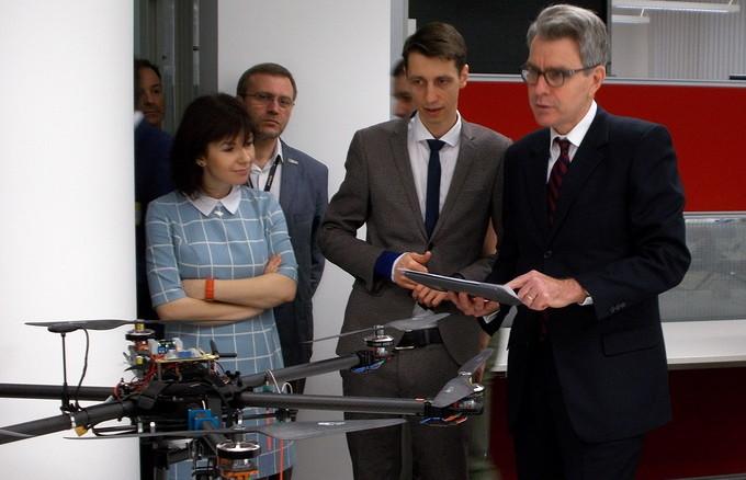 Джеффрі Пайєтт: «В Україні зараз приблизно 500 центрів відкритих даних, але для порівняння — в США їх 200 тисяч. За рахунок накопичення таких даних, їх відкриття та обробки Україна отримає серйозні економічні переваги»