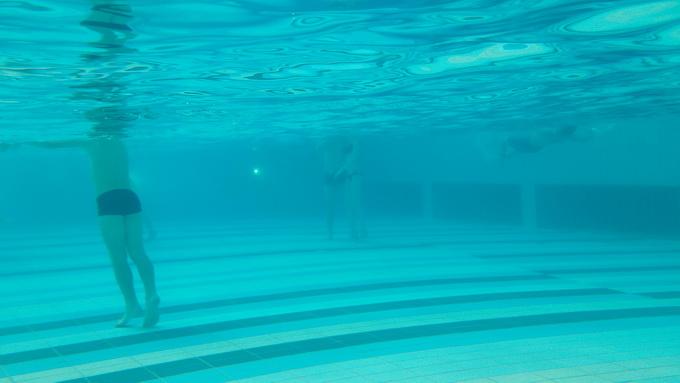 Камера смартфона адаптирована для съемок под водой: автофокус работает вполне корректно