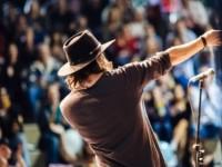 Таланты и поклонники — как меняется охота за «звёздами» в эпоху соцсетей