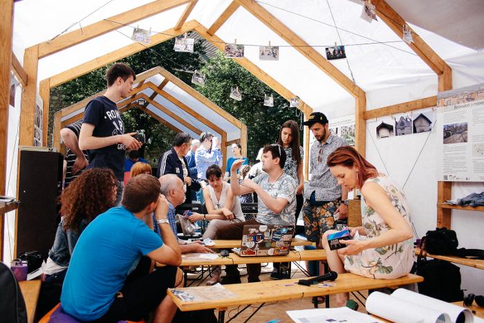 Рабочий процес на урбанистическом фестивале «Майстерня Міста», г. Львов