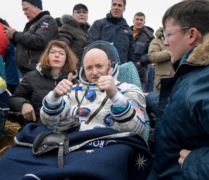 Скотт Келли в день приземления. Март, 2016 г.