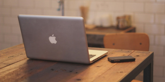 Apple-MacBook-and-iPhone-796x398