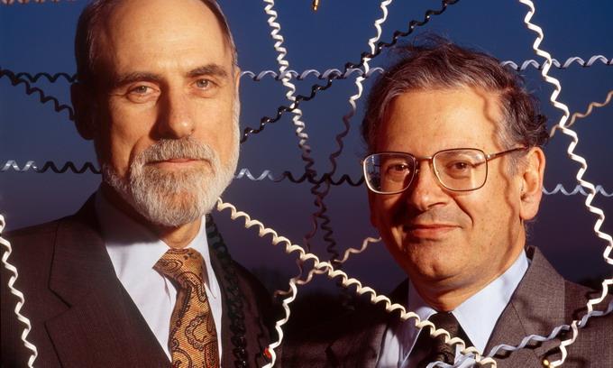 Винт Сирф (слева) и Роберт Кан — исследователи, которые разработали первый межсетевой протокол. Фото: Corbis