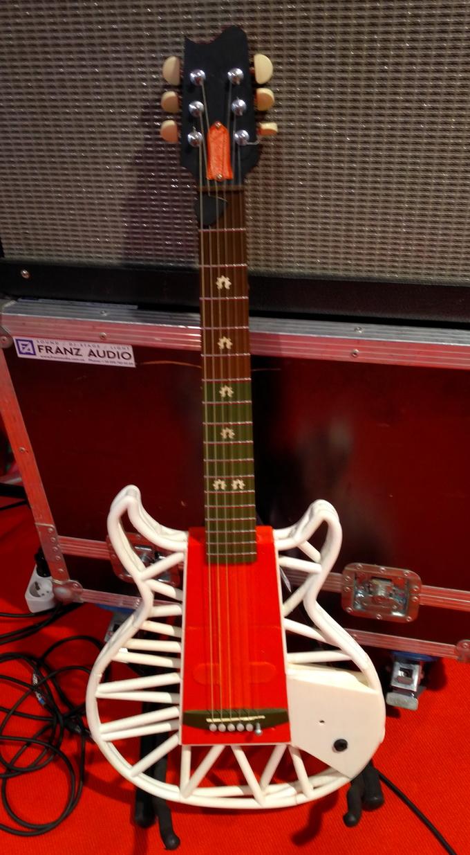 Первая в мире гитара, напечатанная с помощью 3D-принтера