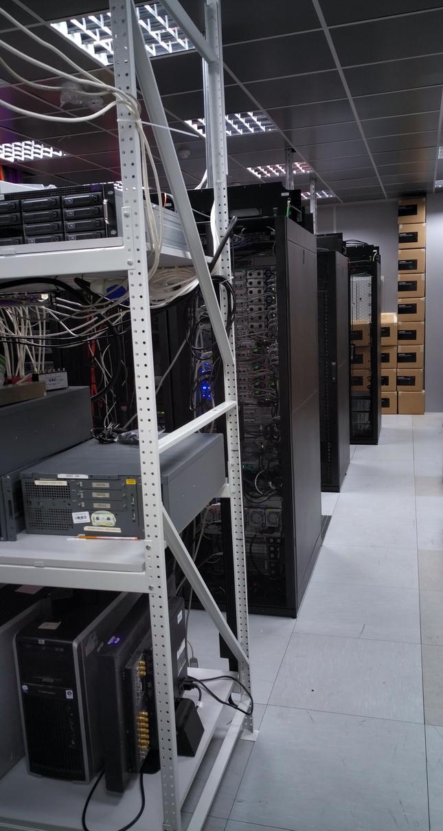 Есть в компании и собственный дата-центр, в котором, в том числе, тестируют оборудование Avid Technology