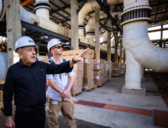 Edo Bar-Zeev (right) at the Sorek Desalination Plant with Boris Liberman, chief technology officer at IDE