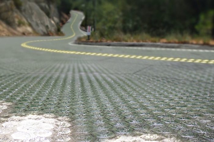 images-highres-solar-roadway-highway-concept-0-0