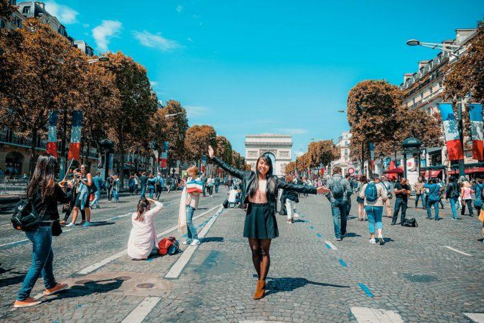 Ейлін в Парижі на День взяття Бастилії