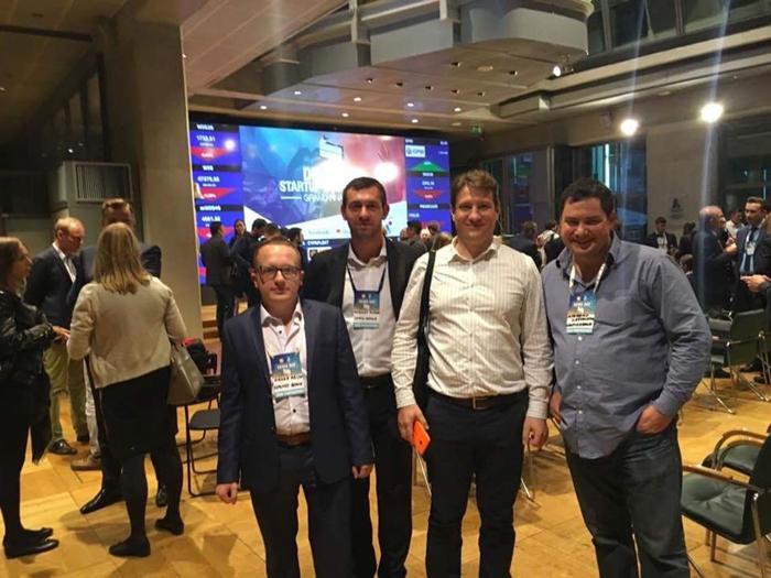 LimpidArmor на StartUp Hub Warsaw Demo Day. Фото: Facebook-сторінка LimpidArmor