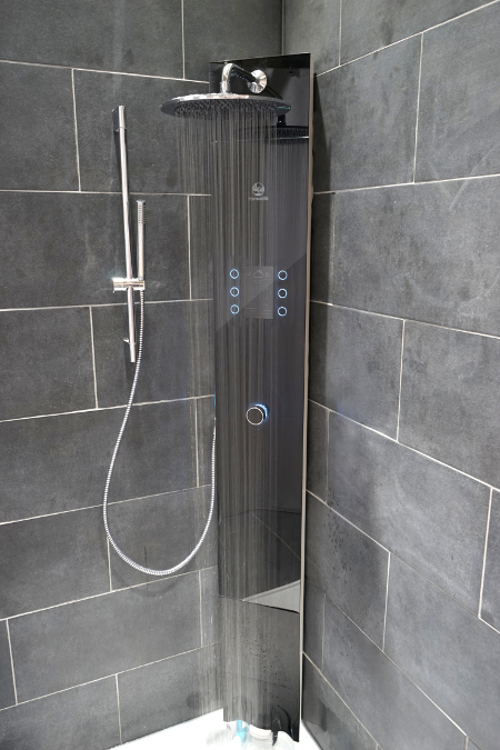 20160930-e-shower-front