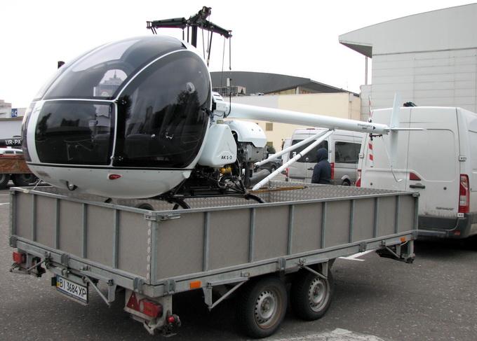 Один з найлегших гелікоптерів у світі: злітна вага до 650 кг, швидкість – до 180 км/год, витрати палива – 30 л/год. Вартість у кіт-комплекті – $160 тис. Розробка від ООО «КБ Аерокомптер»