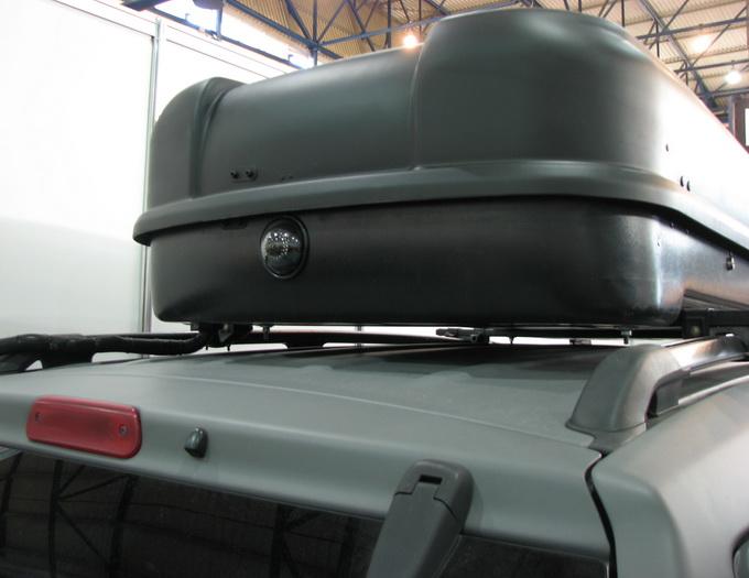 Спереду встановлені камера, радар та тепловізор, позаду присутні камера та радар, також камери є по обидва боки