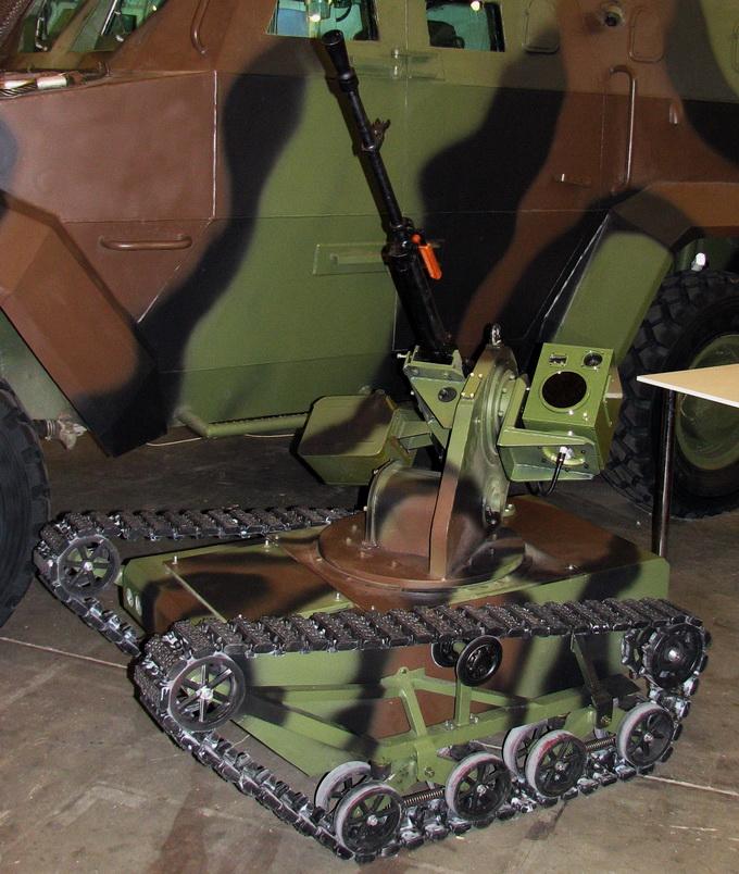 БДУК «Піранья можна використовувати для ведення вогню з відкритих і закритих позицій, транспортування боєприпасів та евакуації поранених