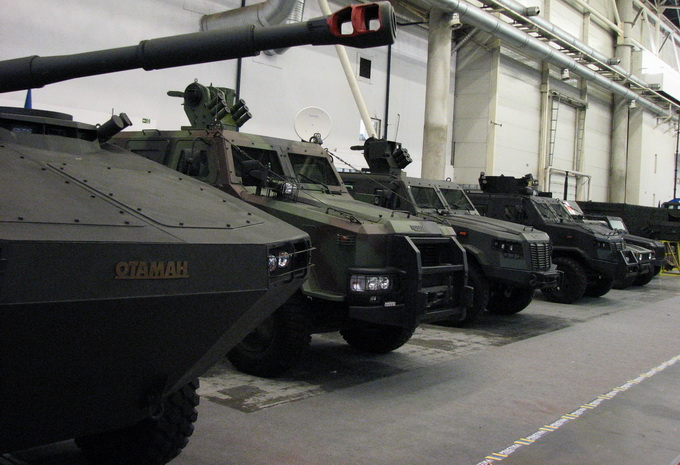 «Зброя та Безпека 2016»: броня міцна і танки наші швидкі