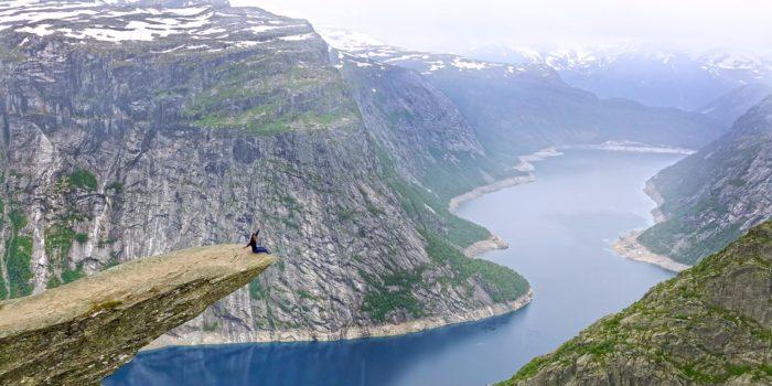 Ейлін в Норвегії, знаменитий кам'яний виступ Trolltunga